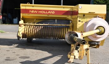 New Holland 940 baler